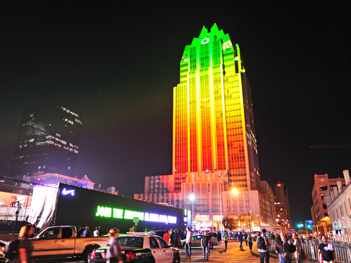 Using the Frost Bank Tower in downtown as a canvas, Lightwave washed the building in vibrant colors matching the hues of the FuelBand LEDs. The display was visible for miles around, including from the nearby NikeFuel Lot, and lasted for a full week of the festival.